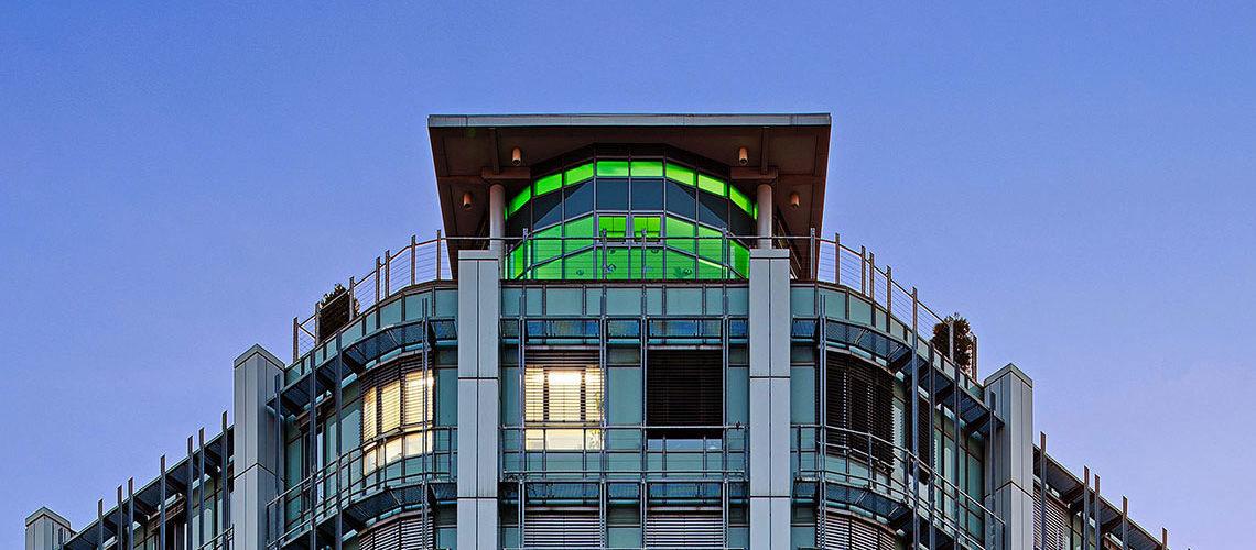 Franziskus Krankenhaus Berlin - Frontansicht mit Ansicht der Aufstockung